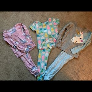 Carters 5T pajama bundle!